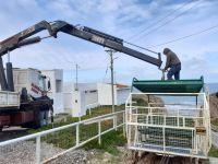 Ya reparan el carro elevador que permite el acceso a la playa de La Lobería