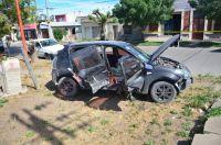 Tremendo choque en Patagones: una joven quedó atrapada en su auto