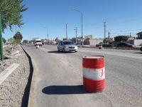 Ya se construye el cordón cuneta en la nueva avenida Perón
