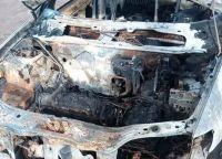 Taxista enojado: En El Cóndor quemaron sus dos autos y archivaron las causas